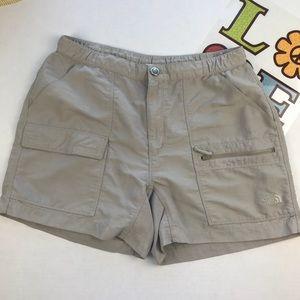 The North Face Shorts Beige Medium w/ pockets